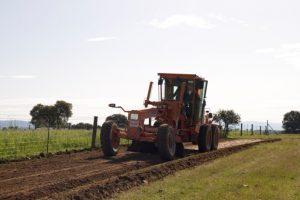 Aplicación de sellado en vía rural Retuerta del Bullaque Toledo